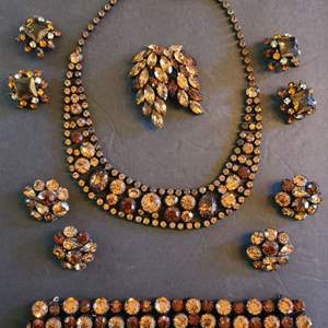 Lot # 219 VTG Regency Jewelry Set