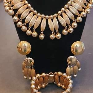 Lot # 227 Napier Jewelry Set