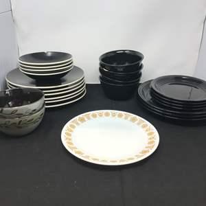 Lot # 57 - Lot of Misc. Black Plates & Bowls