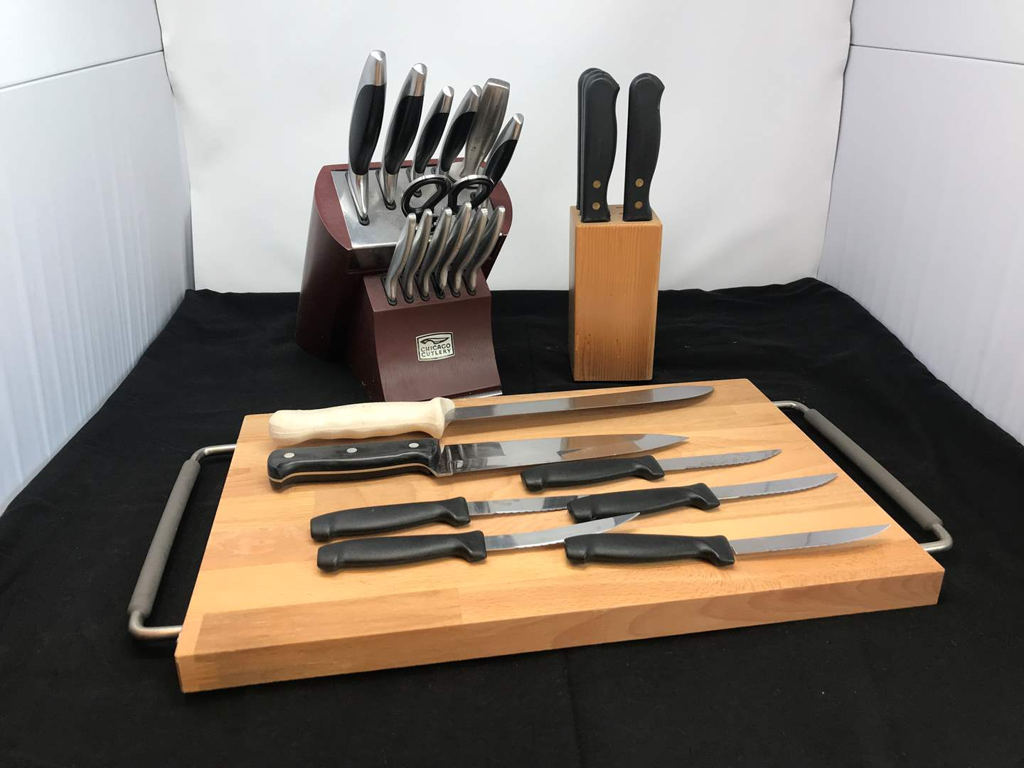 Lot # 70 - Cutting Board & Chicago Cutlery Knives & Knife Block (main image)