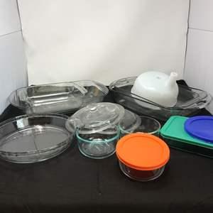 Lot # 71 - Pyrex Baking Dishes & Food Storage