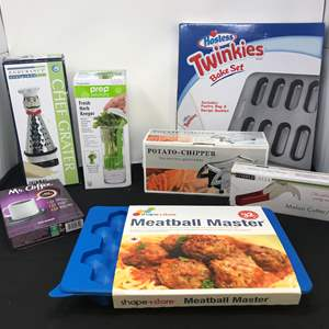 Lot # 78 - Lot of New Items: Meat Ball Master, Twinkies Bake Set, Fresh Herb Keeper & More