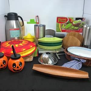 Lot # 79 - Lot of Kitchen Items: Chopping Boards, Yeti Mug, Veggie Slicer & More