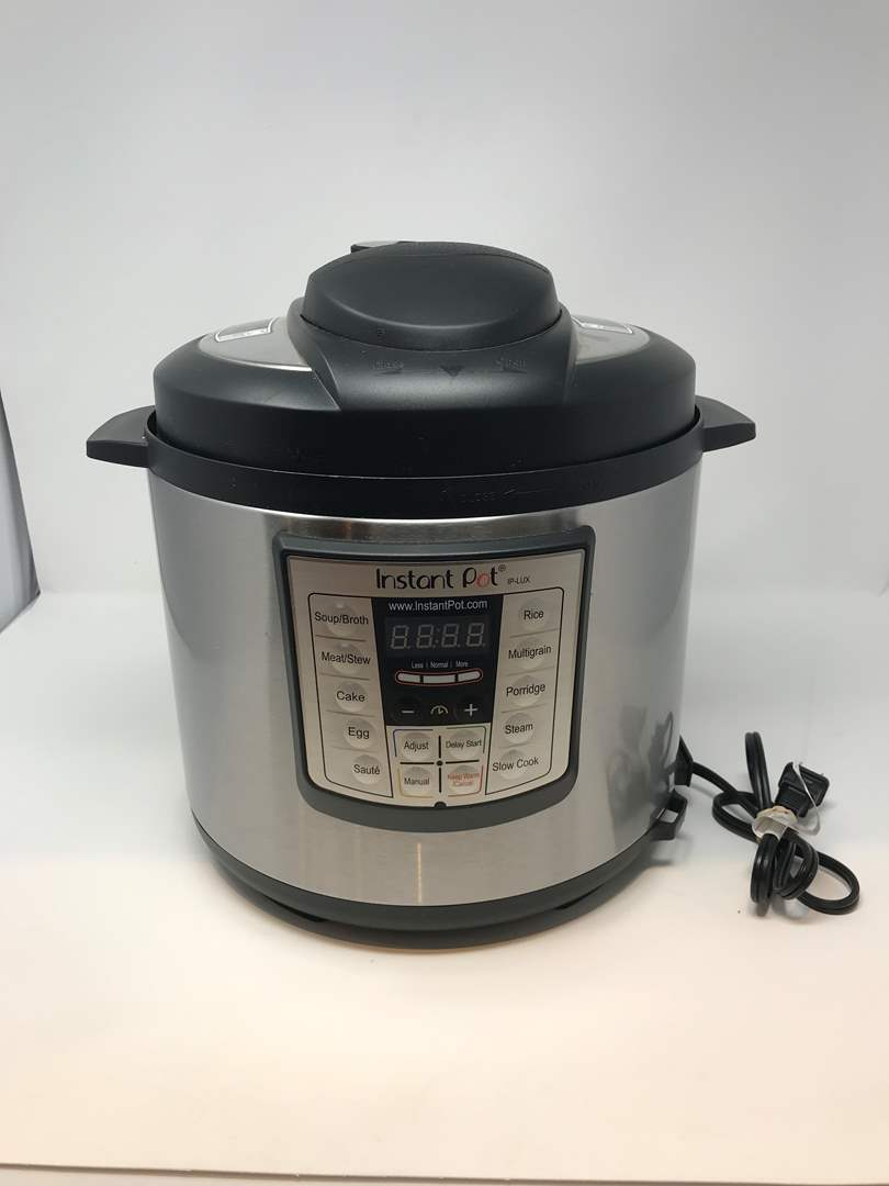 Lot # 94 - Lightly Used Instant Pot (main image)