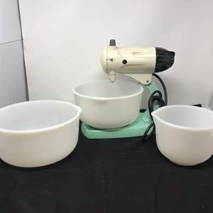 Lot # 88 - Vintage Sunbeam Blender w/Out Beaters