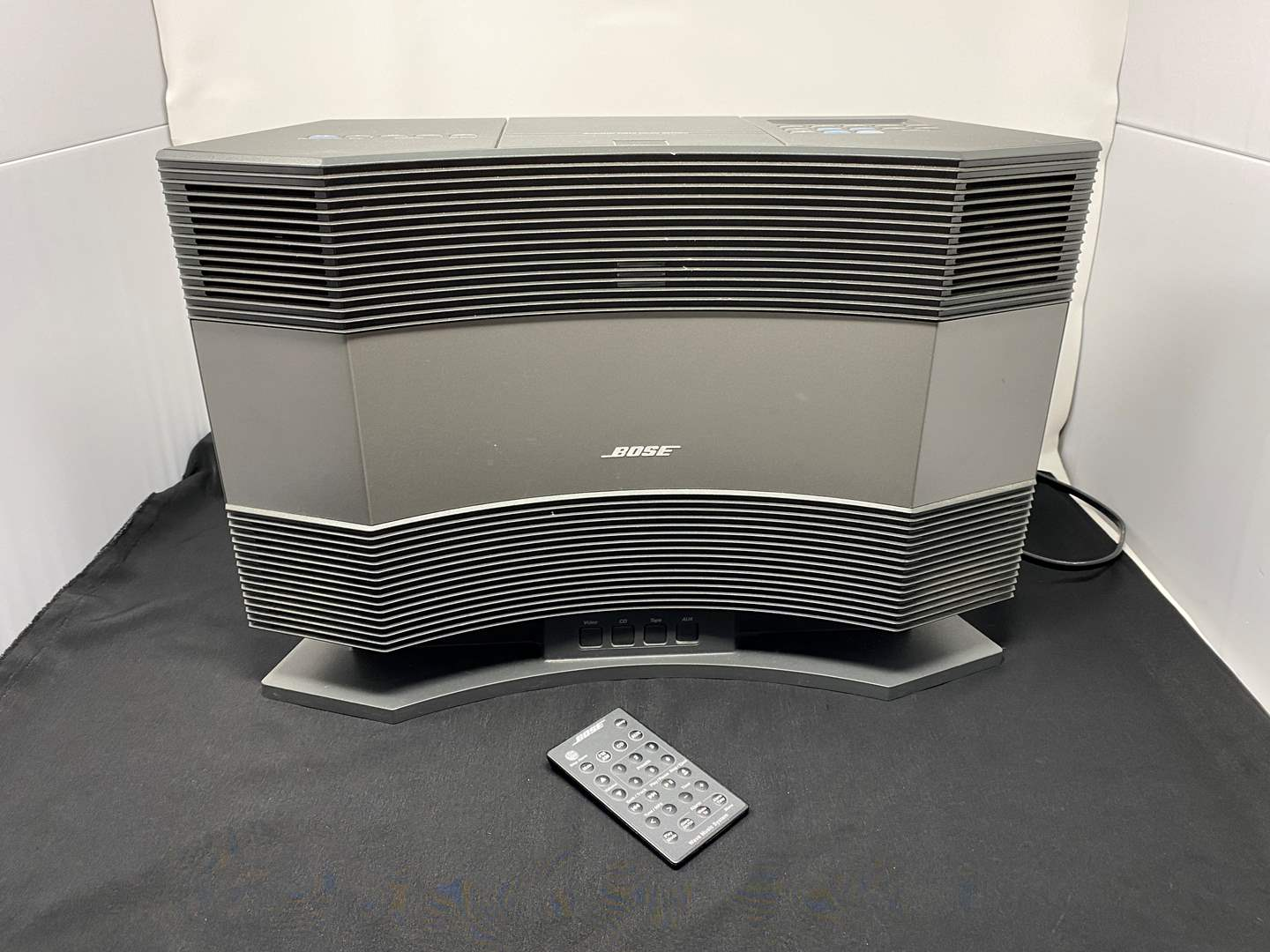 Lot # 2 - Bose Acoustic Wave Music System w/ Pedestal - (Works Great, Models CD-3000 & PD-2) (main image)