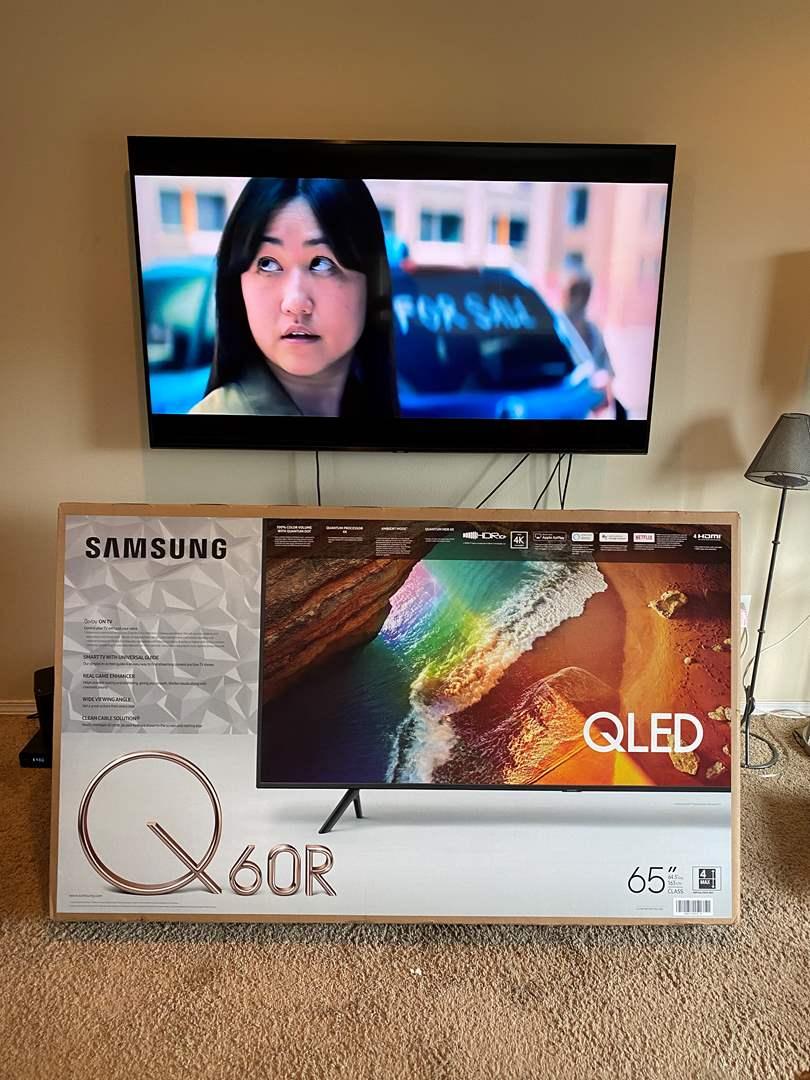 "Lot # 1 - Samsung 65"" Q60R 4K QLED Smart TV w/ Wall Mount - (Works Great) (main image)"