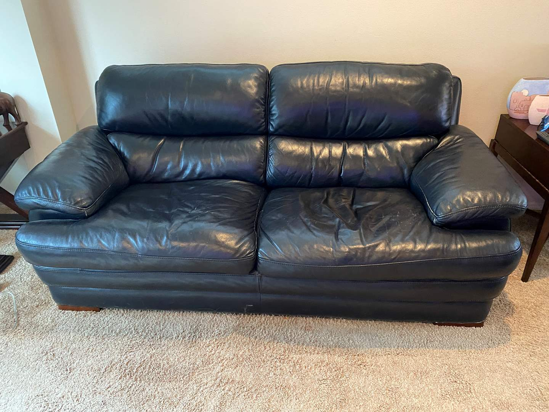 Lot # 33 - Flexsteel Latitude Leather Sofa (main image)