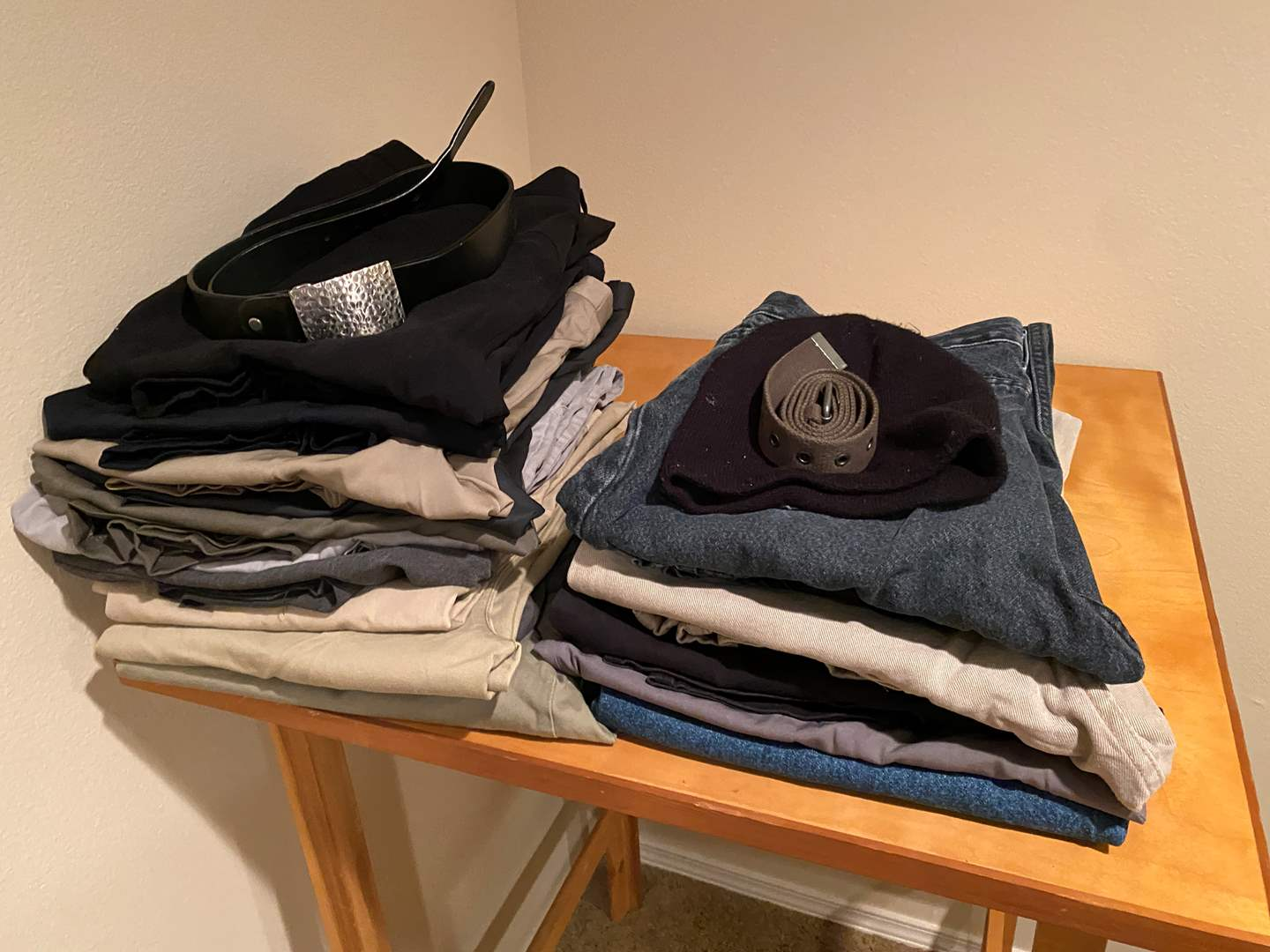 Lot # 131 - Stack of Men's Pants - (See Pictures for Sizes) (main image)