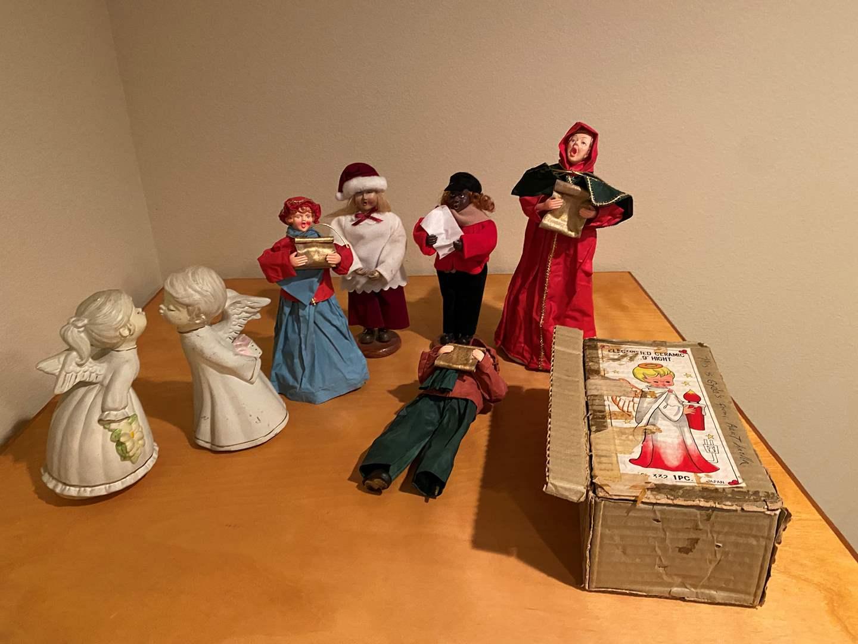 Lot # 136 - Vintage Christmas Carolers & More (main image)