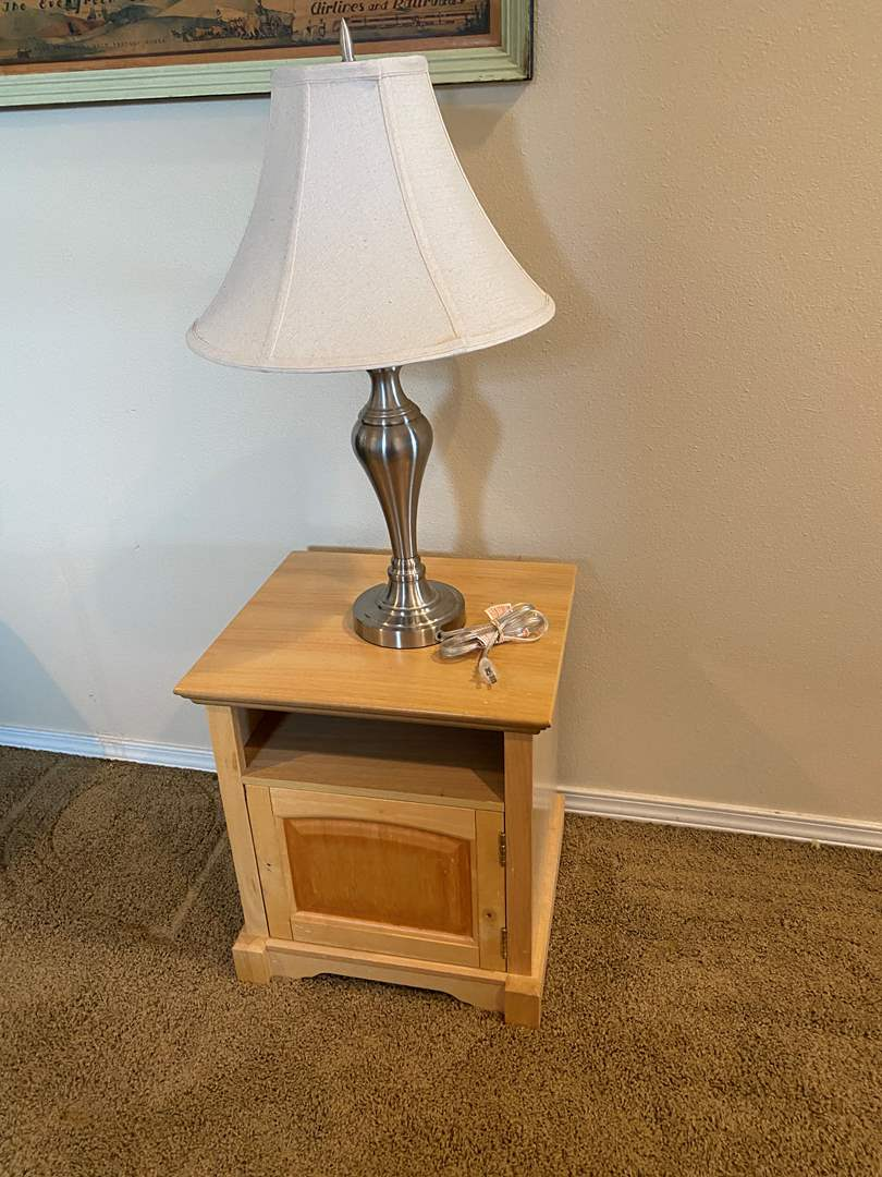 Lot # 178 - Small Side Table & Table Lamp (main image)