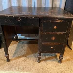 """Lot # 190 - Vintage """"West-Made Desk Co."""" Wood Desk w/ Dovetailed Drawers"""