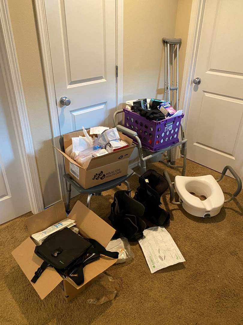 Lot # 231 - Medical Equipment & Supplies - (See Pictures) (main image)