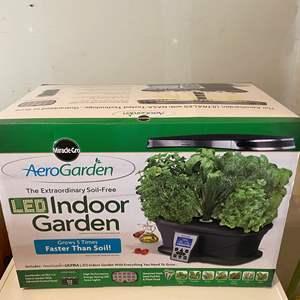 Lot # 234 - NIB Miracle Grow Aero Garden