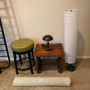 Lot # 229 - Swiveling Stool, Wood Table, Paper Floor Lamp, Rug, Small Table Lamp