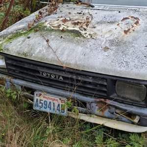 Lot # 7 1988 Toyota 1 ton Flatbed