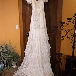 Lot # 211 Bridallure Wedding Gown w/Hat & Heels