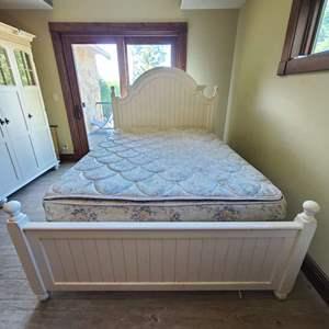 Lot # 218 Queen Bed
