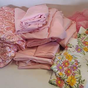 Lot # 248 Pink Table Linens