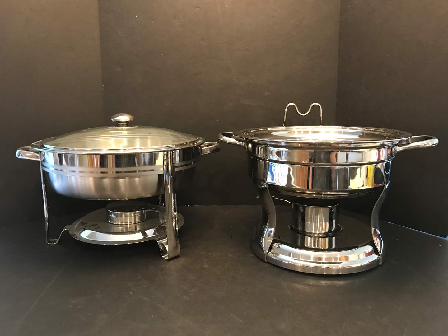 Lot # 79 - 2 Chafing Dishes  (main image)