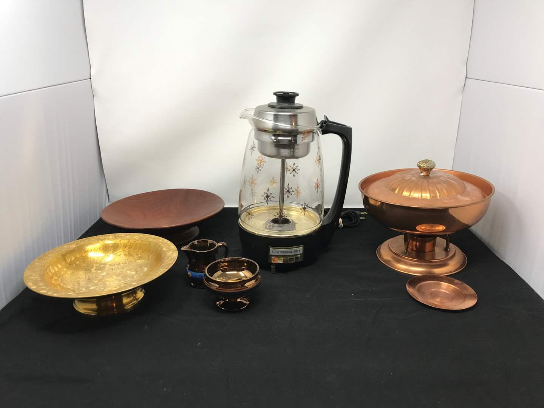Lot # 83 - Proctor Silex Starburst Coffee Maker & Bowls (main image)