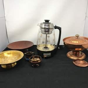 Lot # 83 - Proctor Silex Starburst Coffee Maker & Bowls