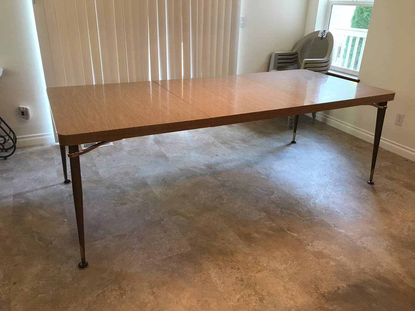 Lot # 96 - Nice Vintage Formica Walter Wabash Dining Room Table w/2 Leaves  (main image)