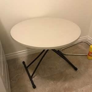 Lot # 200 - Nice Lifetime Folding Table