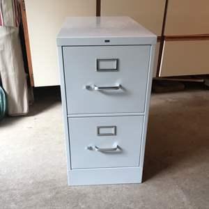 Lot # 231 - 2 Drawer File Cabinet
