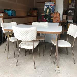 Lot # 242 - Vintage Formica Walter Wabash Table & 4 Chairs