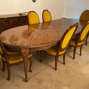 """Lot # 111 - Vintage Chiatillon by Drexel Dining Room Table w/ Two 20"""" Leaves & Six Chairs"""