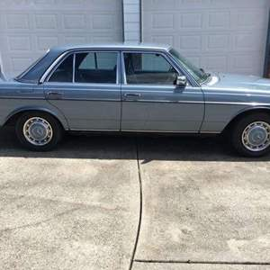 Lot # 1 - 1978 Mercedes 300-D Diesel - (Great Condition - See Pictures & Videos)