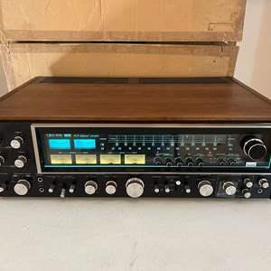 Lot # 199 - Vintage Sansui QRX-999 4/2 Channel Receiver - (Powers On)