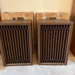 Lot # 215 - Two Vintage Kenwood KL-7070 Speakers