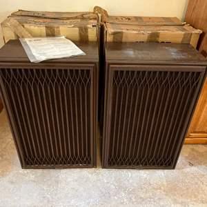 Lot # 217 - Two Vintage Kenwood KL-999Z Speakers