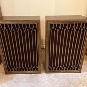 Lot # 218 - Two Vintage Kenwood KL-7070D Speakers