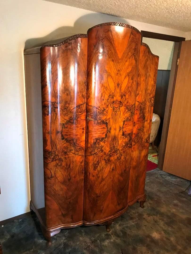 Lot 1 Beautiful Antique Armoire Wardrobe 77 T X 50 W X 24 D Adam S Northwest Estate Sales Auctions