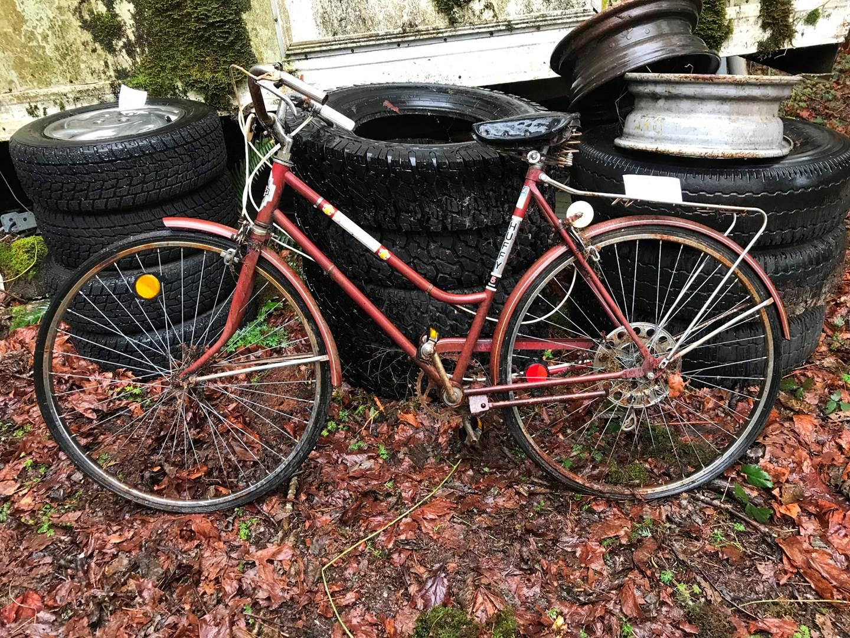 "Lot # 95 - Vintage Huffy Regal 5 Speed Bicycle. ""Needs TLC"" (main image)"