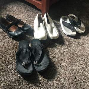 Auction Thumbnail for: Lot # 211 - 4 Pairs of Woman's Shoes Between Sizes 7 & 9.