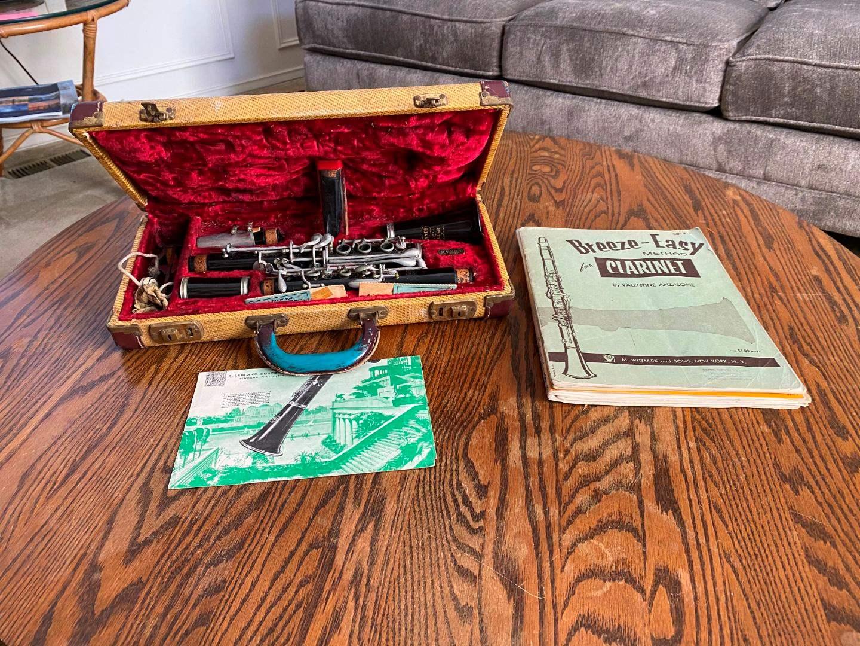 Lot # 12 - Vintage Selmar Bundy Clarinet w/Sheet Music (main image)