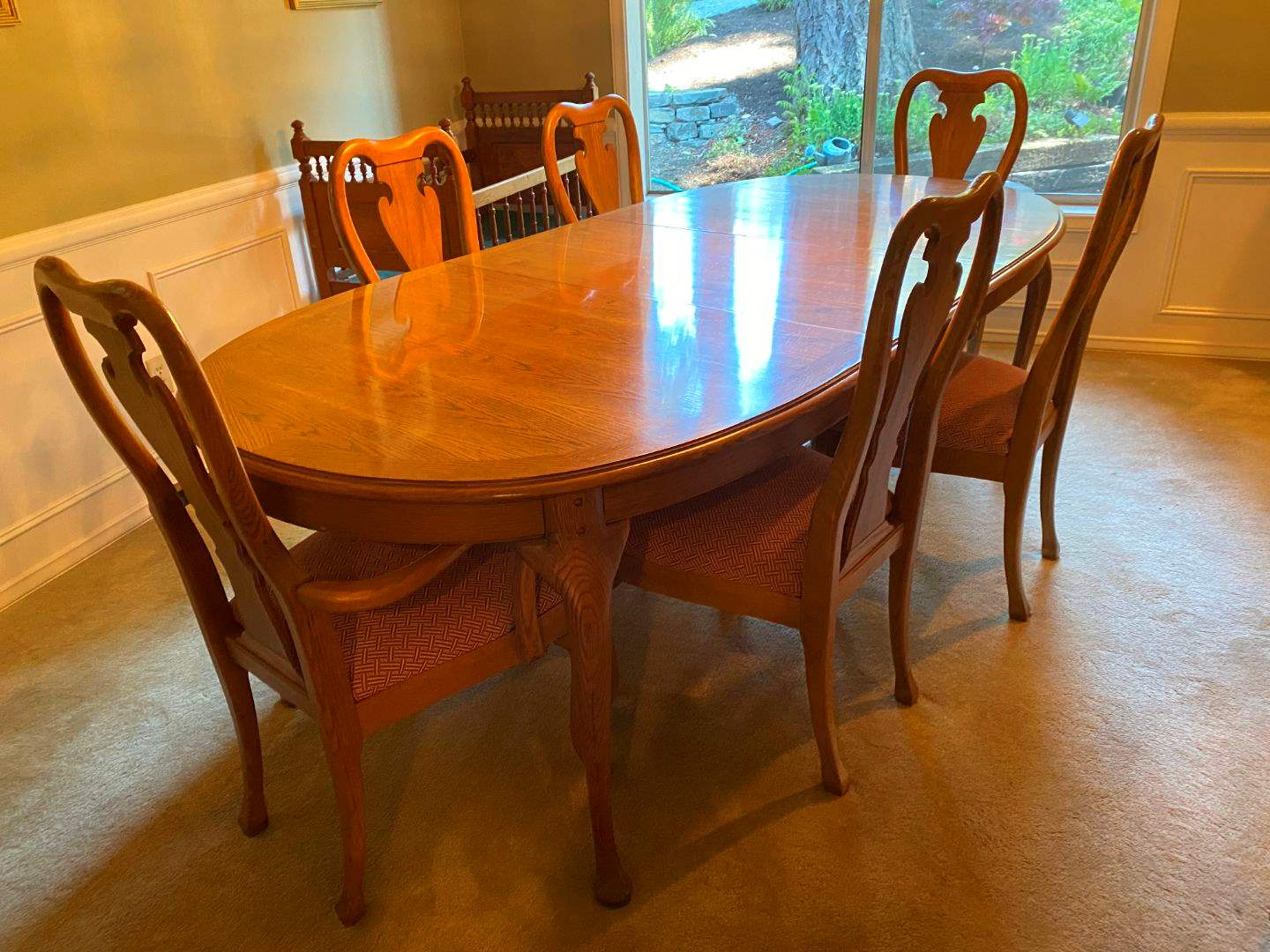 """Lot # 20 - Vintage Oak Thomasville Dining Room Table w/Two 20""""Leaves & 6 Chairs (main image)"""
