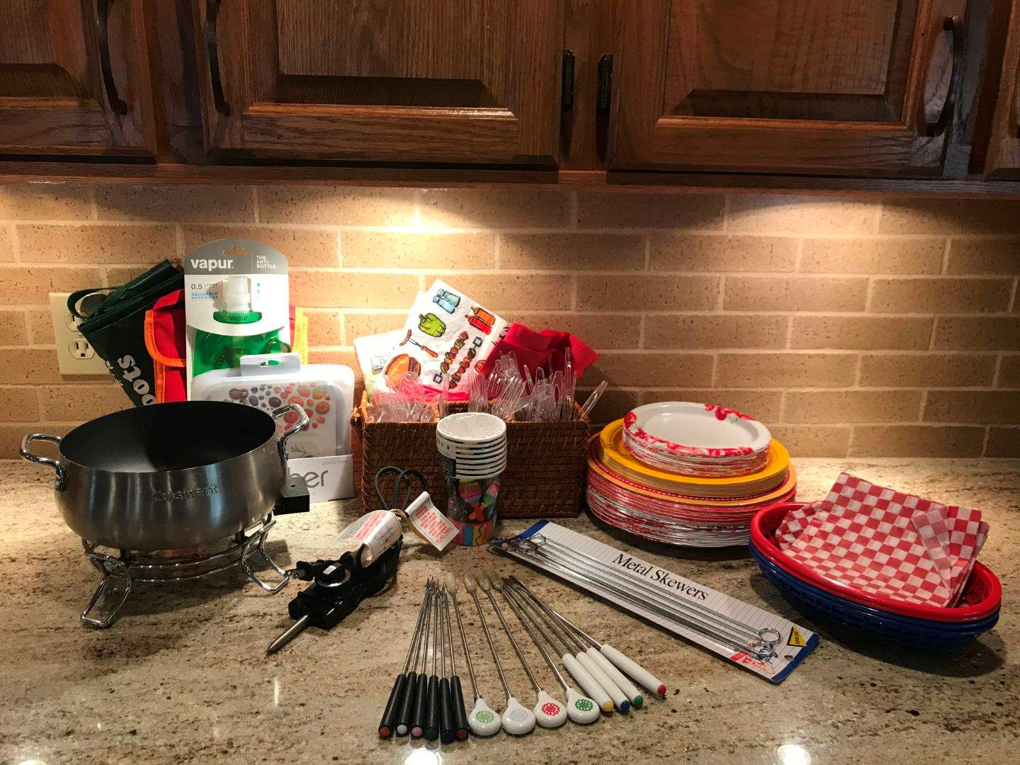 Lot # 58 - Cuisinart Fondue Pot w/Sticks, Paper Plates, Napkins & Lunch Box (main image)