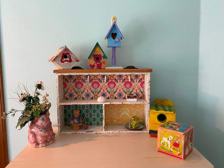Lot # 119 - Cute Drawer made into Shelf w/Handmade Birdhouses, Decor & More.. (main image)