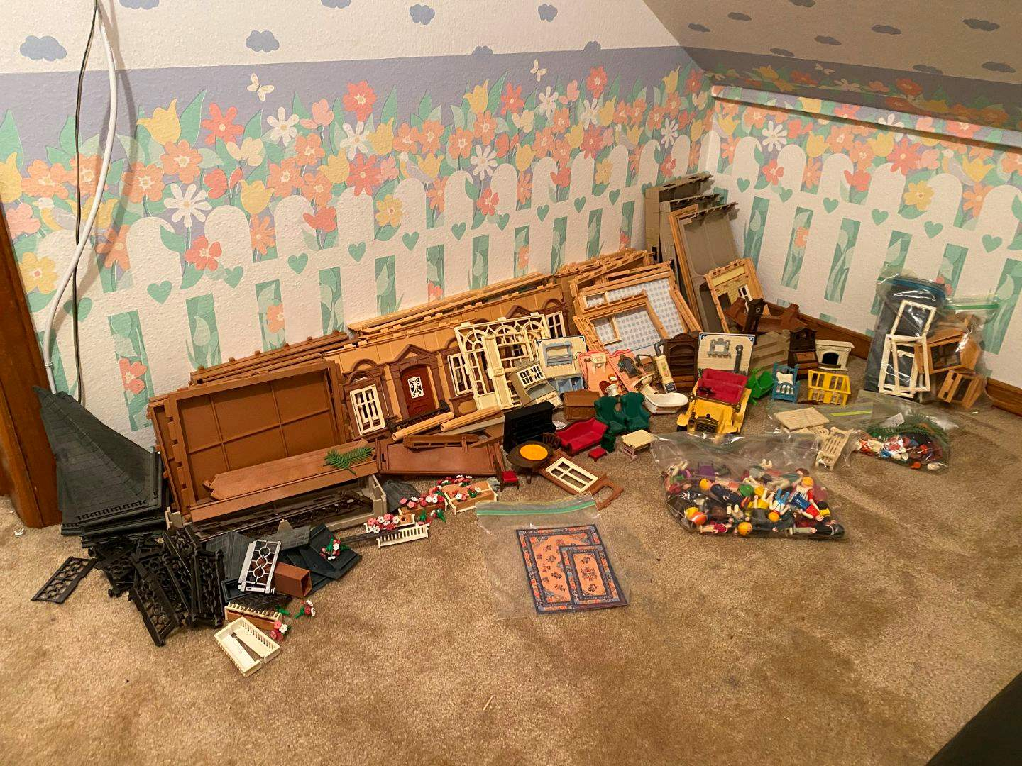 Lot # 163 - Playmobil Doll House w/Accessories (main image)