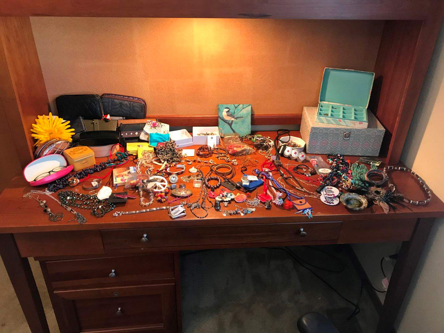 Lot # 183 - Nice Selection of Beaded Jewelry, Earrings, Wallets, Jewelry Boxes & More.. (main image)