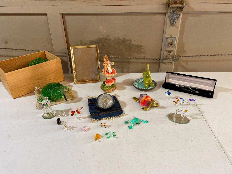 Lot # 199 - Small Glass Figurines, Swarovski Bear, Photo Frame & More.. (main image)