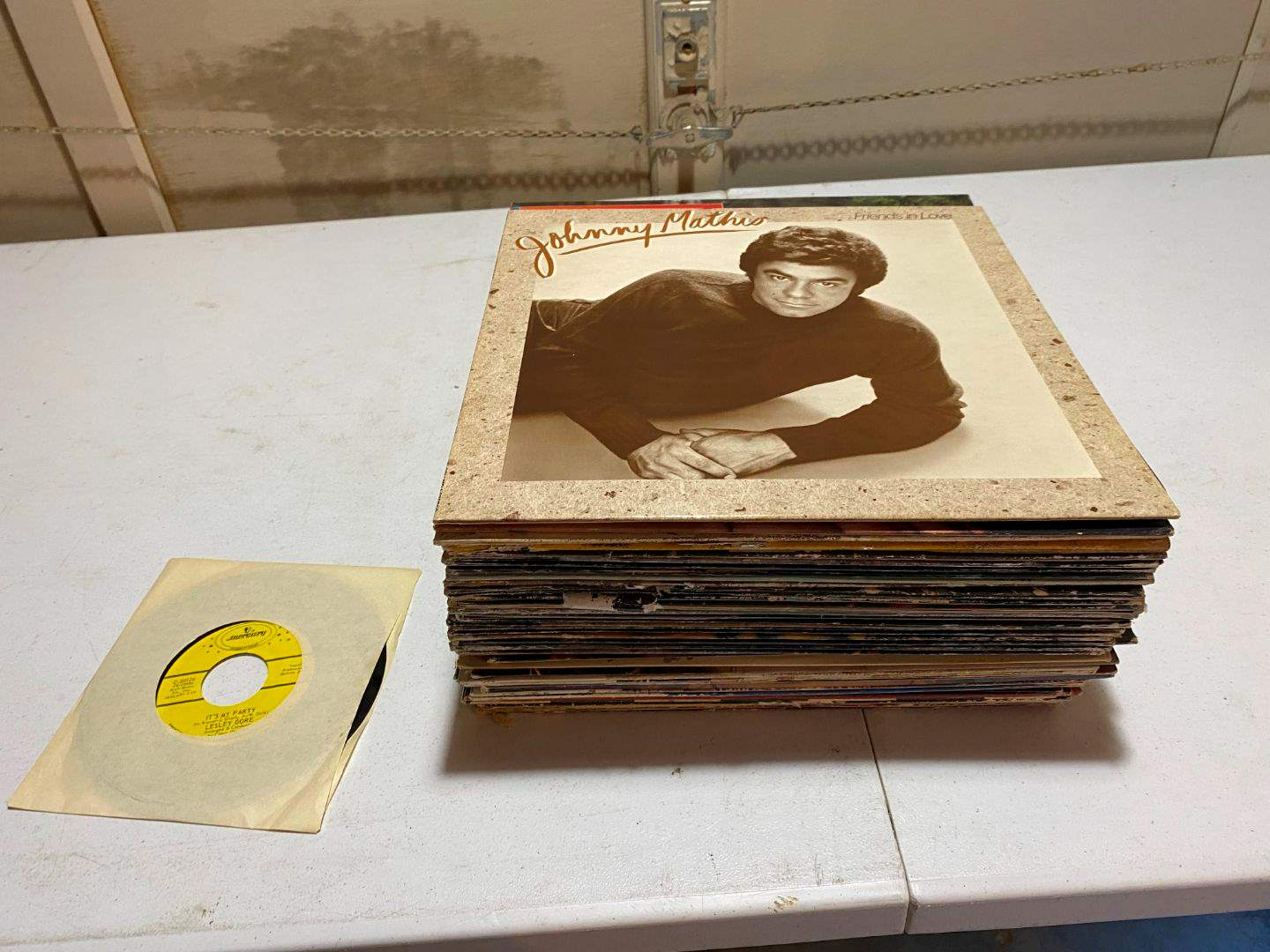 Lot # 215 - Albums: George Benson, Diana Ross, Donna Summer & More - (See Pictures). (main image)