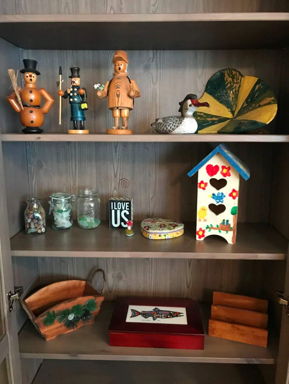 Lot # 109 - Wood Figures, Bird House, Wood Basket, Crystal, Fish Wood Box & More.. (main image)