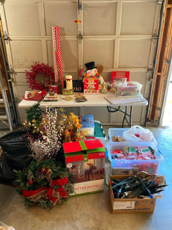 Lot # 201 - Large Selection of Christmas Decor & More. (main image)