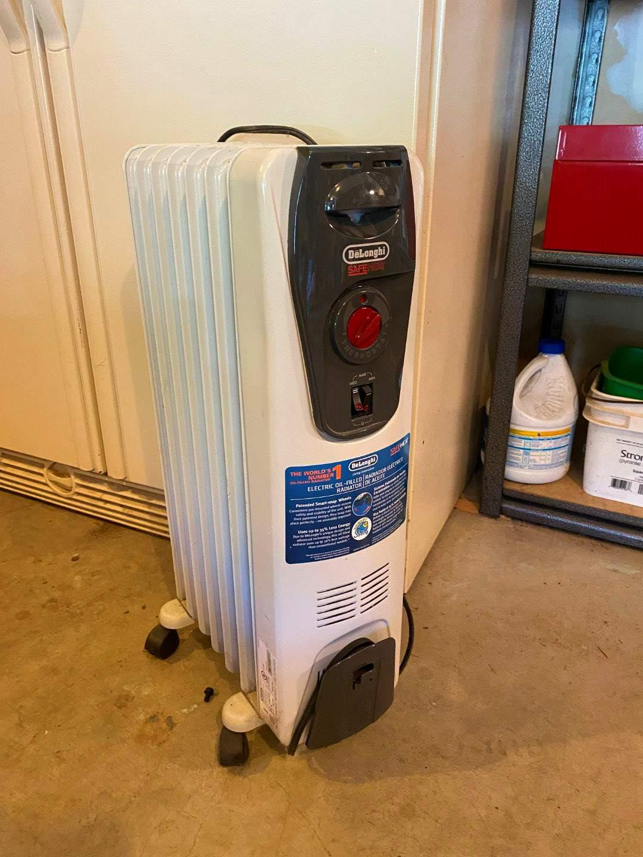 Lot # 230 - Delonghi Radiator Heater (main image)
